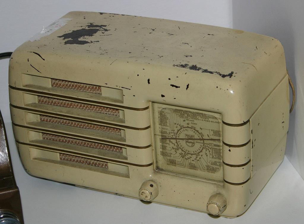 Compro e vendo radio d 39 epoca de poi collezione e for Regalo a chi se lo viene a prendere